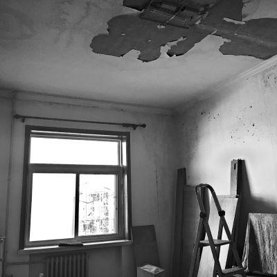 老楼加固改造反而引发屋顶漏水!