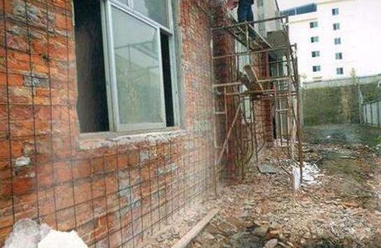 房屋加固施工现场