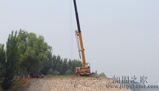 最新消息:东营黄河河务局顺利完成根石加固工作
