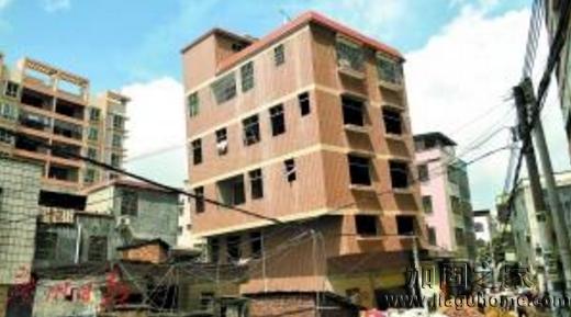 河源业主违规加建5层半楼房导致严重倾斜,已被拆除
