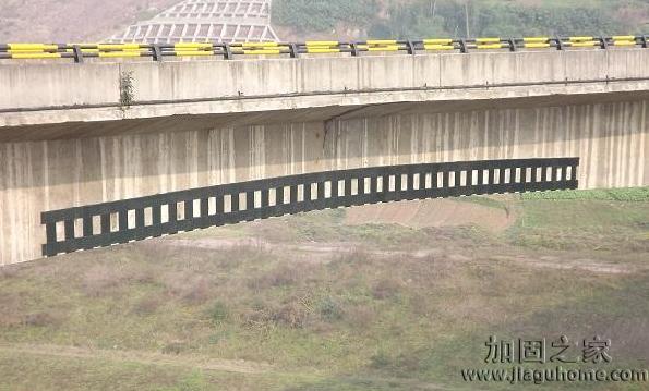 关于碳纤维布加固桥梁的作用