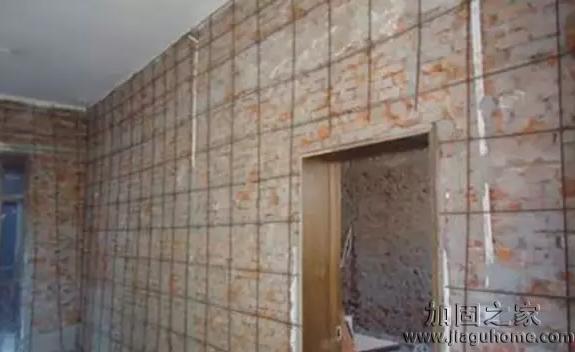 深圳一房墙被邻居挖剩5公分,墙体加固怎么做?