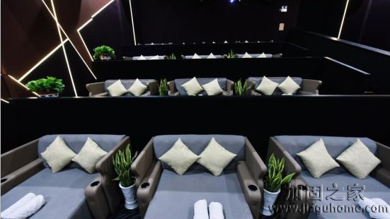 普通影院改造,杭州电影院首推床厅。