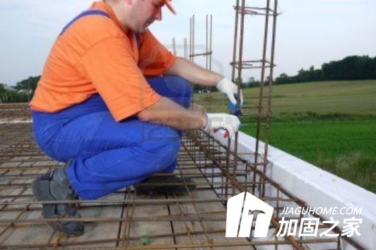 楼房加固施工中的钢筋施工