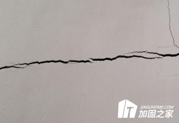 建筑裂缝应该怎样修补呢?