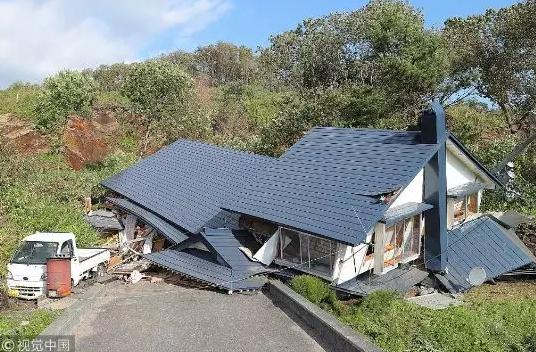 北海道发生强震,房屋倒塌