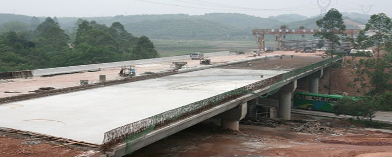 桥面铺装加固法