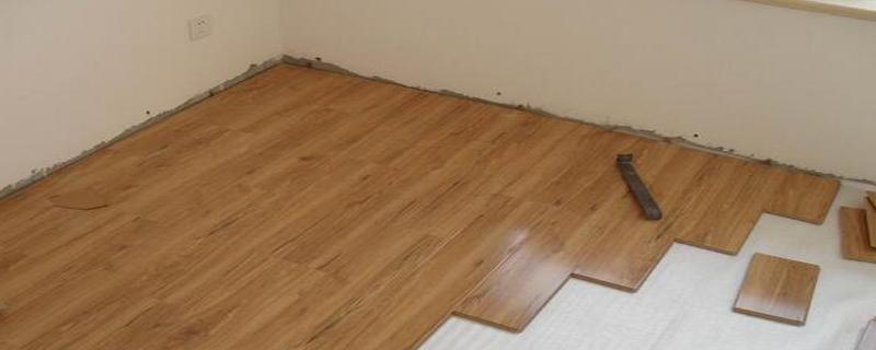铺地板一平米人工费