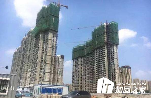 追踪 济南融汇城玫瑰公馆二期部分业主拒绝加固补强方案