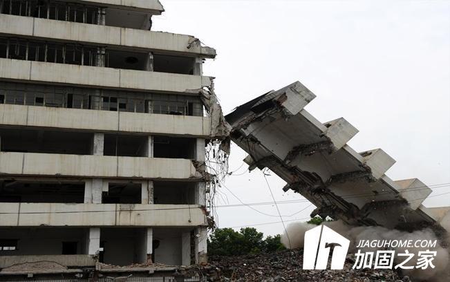 武汉酒店大楼坍塌,建筑安全再次敲响警钟
