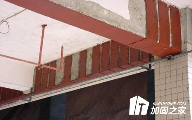 在施工过程中粘贴钢板与粘贴碳布的异同