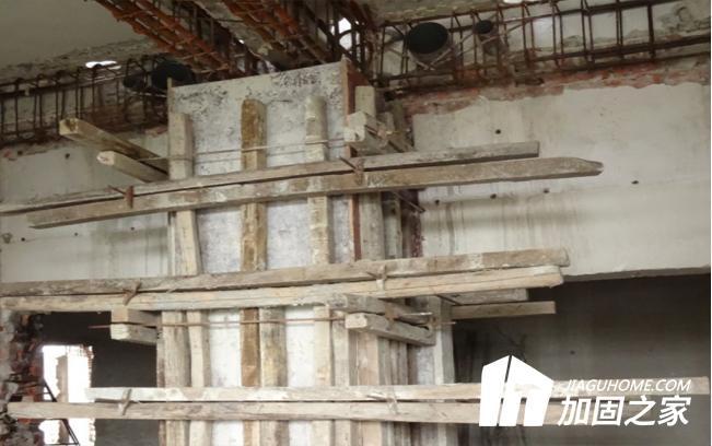 混凝土梁板柱采用增大截面加固法