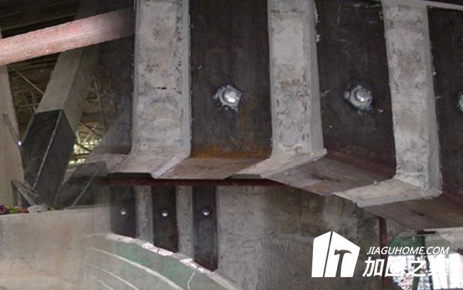 粘钢加固混凝土粘合面应如何处理?
