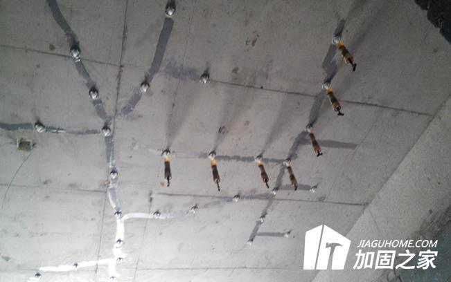 混凝土裂缝到底该用哪种材料来进行修补?