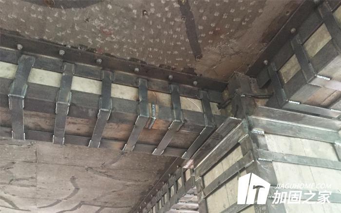 公路桥头盆式橡胶支座与桥头滚珠支座有什么区别?