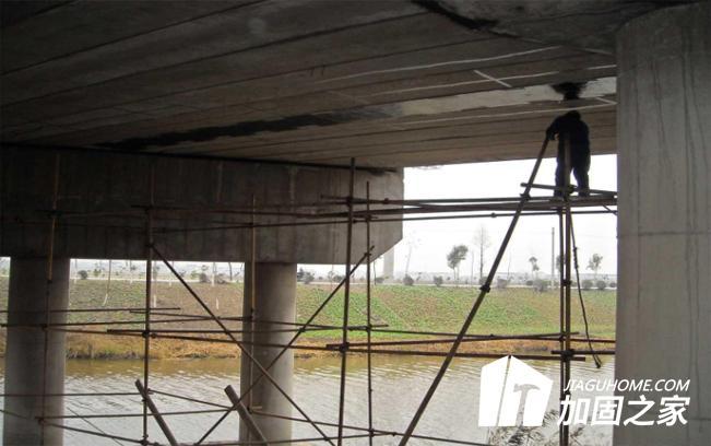如何制定桥梁加固补强施工方案?