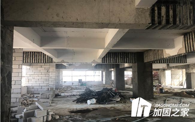 建筑房梁加固有什么收费标准?