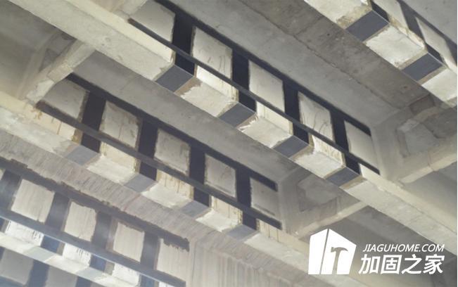 粘钢胶与碳纤维胶能否互相代替?