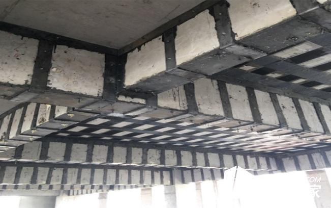 粘钢加固和碳纤维加固哪个好?