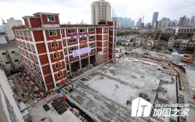 上海一小学18天平移61.7米,这到底是怎样实现的?