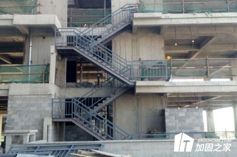 建筑物抗震加固收费项目包括哪些方面?
