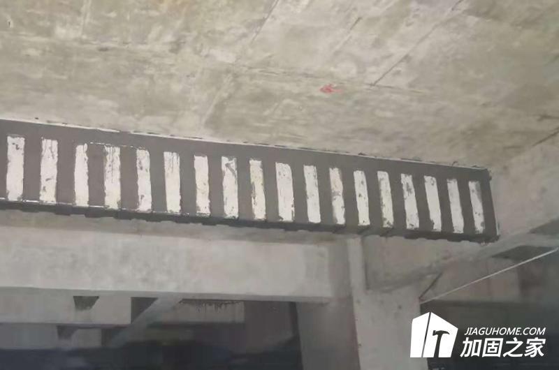 粘钢加固房屋大梁