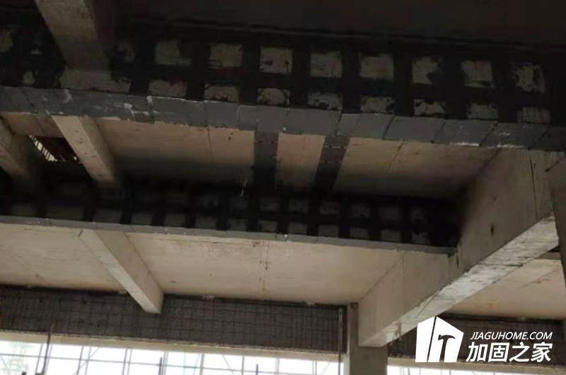 外包钢加固房屋大梁