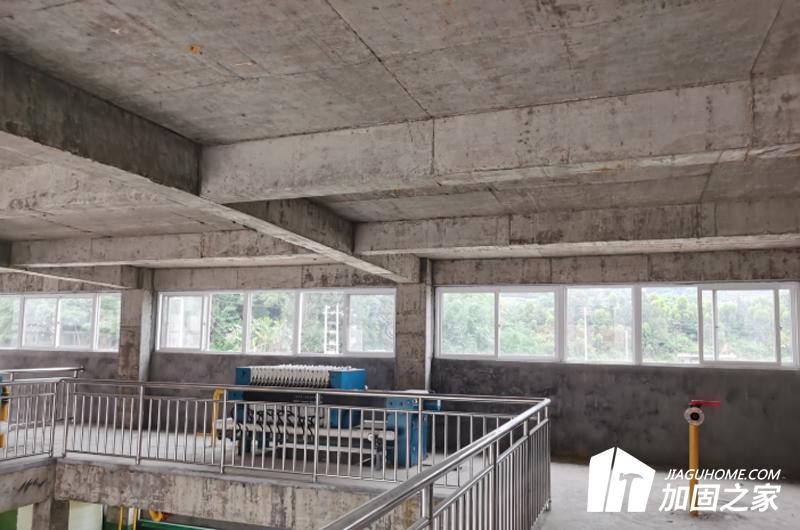 梁上开洞对房屋安全有影响吗?