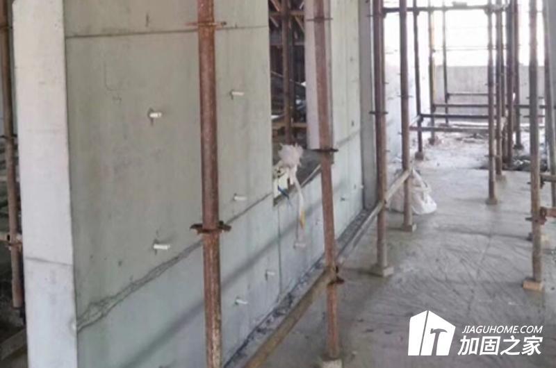 根据剪力墙存在的实际问题采取适宜的加固措施