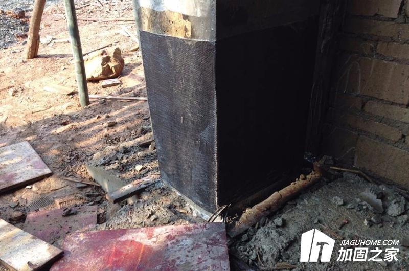 加固施工的全过程应有可靠的安全措施