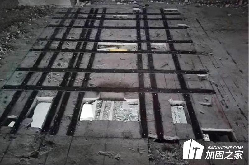 外粘钢板加固施工环境